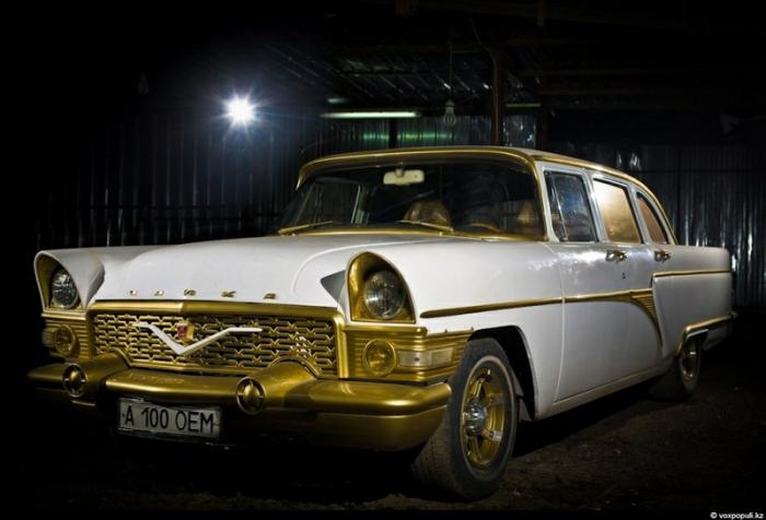 Это ГАЗ-13 (1978)