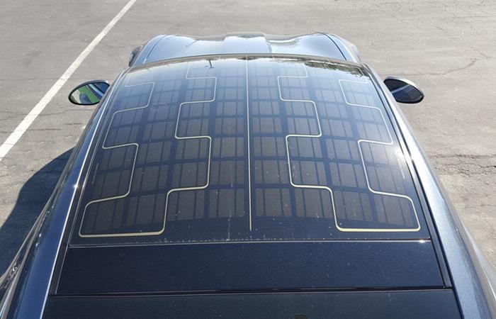 Солнечные панели на крыше.