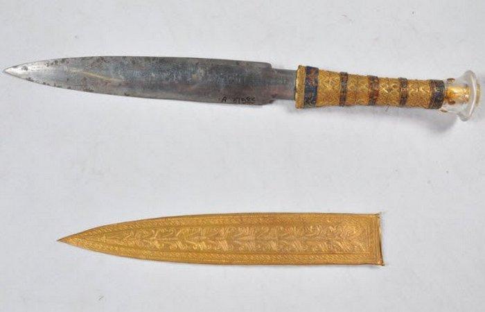 Переписываем историю: неземной кинжал Тутанхамона.