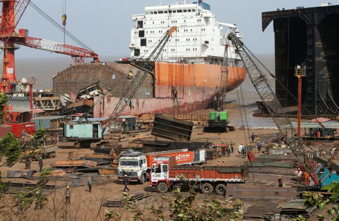 Утилизация судов серьезный бизнес. |Фото: myseldon.com.