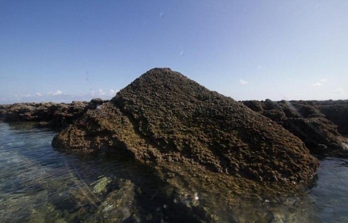 Подводные руины.