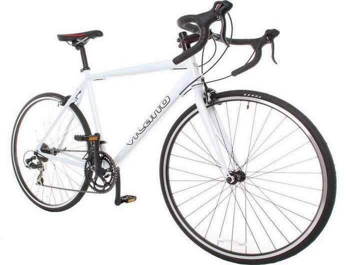 Дорожный велосипед Vilano Shadow.