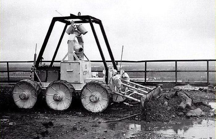 Роботы-ликвидаторы последствий аварии в Чернобыле.
