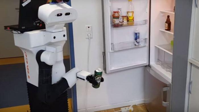 Робот Tiago справится на ура.