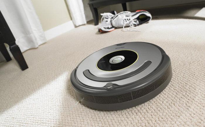 Отличный помощник для хозяйки IRobot Roomba 616.