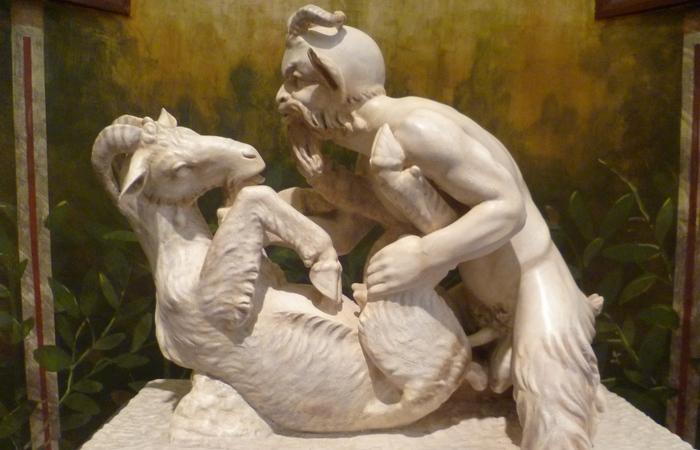Помпеи были переполнены неприличным искусством.