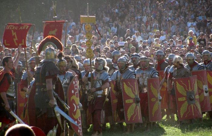 Римляне первыми в истории начали показывать ягодицы.