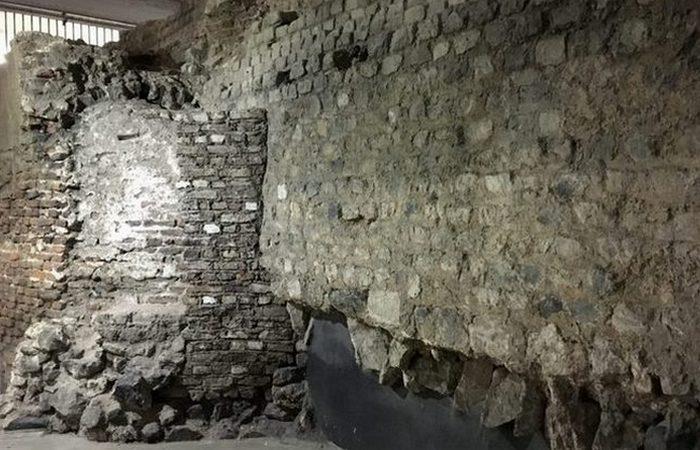 Древнеримские руины под Кельнским собором.