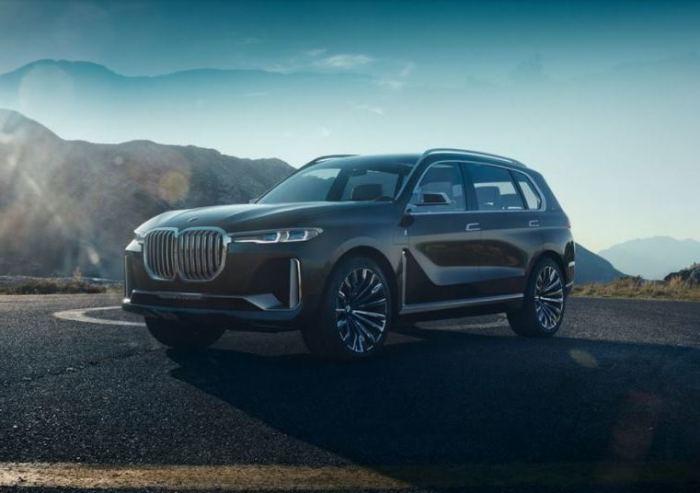 Уже одним только видом BMW Concept X7 iPerformance можно наслаждаться.