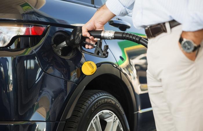 Это важно: заправляться топливом на фирменных и проверенных АЗС.