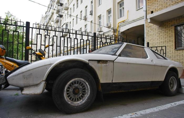 Интереснейший образец советского авто.
