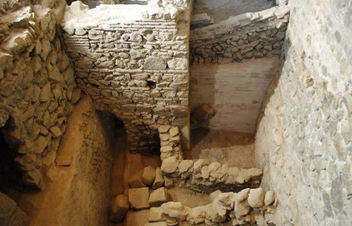 Таинственная пещера Геракла в Толедо.