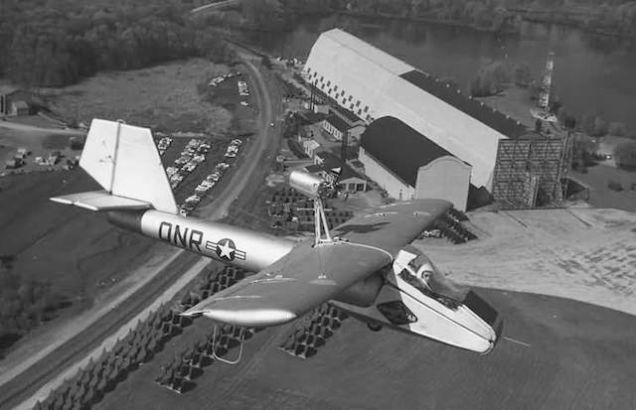 Надувной самолёт Goodyear Inflatoplane.