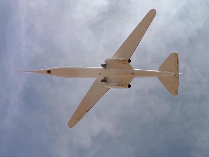 NASA AD-1 Oblique Wing - літак з похилим крилом.