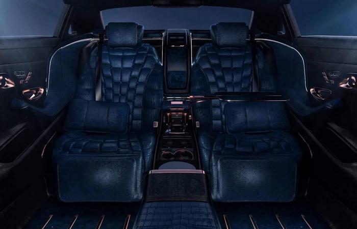 Задние пассажирские кресла.