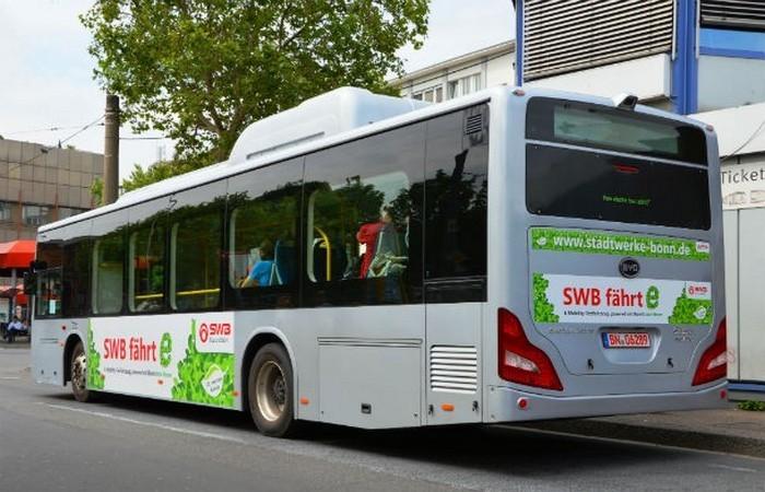 Автобусы без водителей в Греции.