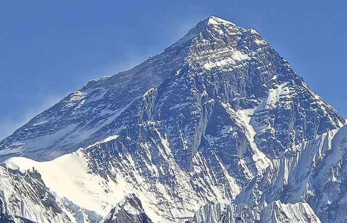 Научный факт: девятитысячник Эверест.
