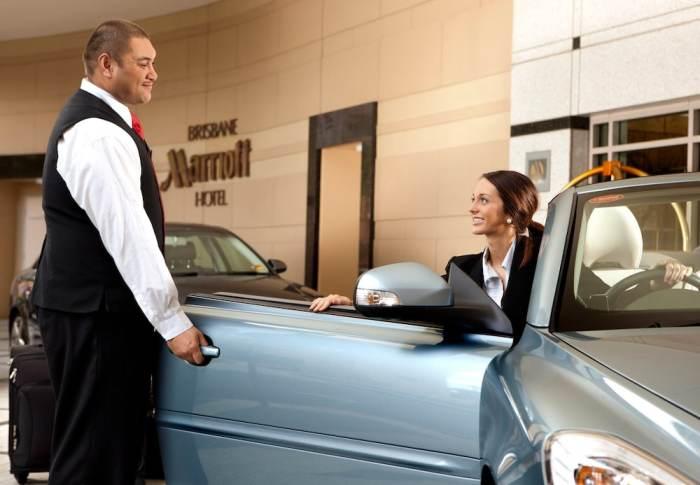 Отзывы это важно. |Фото: valetparkingmiami.com.
