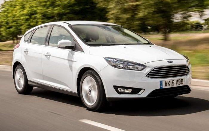 Автомобиль Ford Focus.