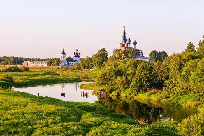 Селом принято называть сельский населенный пункт где есть церковь. ¦Фото: ya.ru.