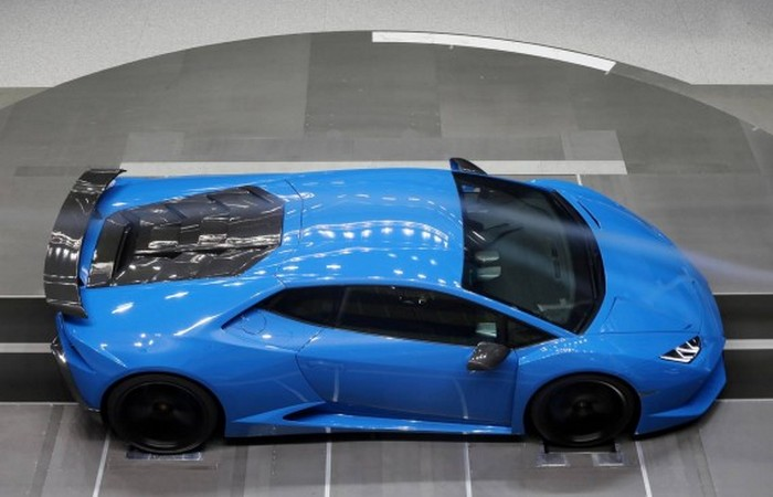 Автомобиль Lamborghini Superleggera Huracan.