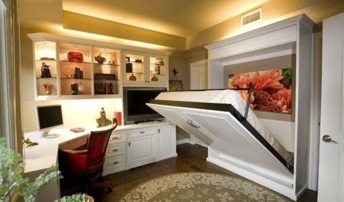Откидывающиеся кровати.