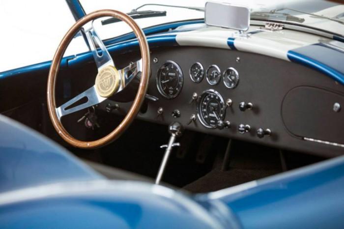 427 Shelby Cobra: тонкий стиль и эксклюзивный дизайн.