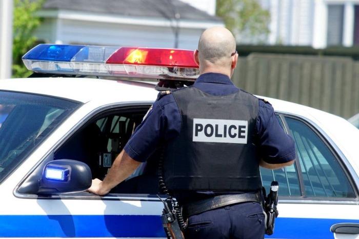 Все вопросы в частном секторе решает полиция. |Фото: inforesist.org.