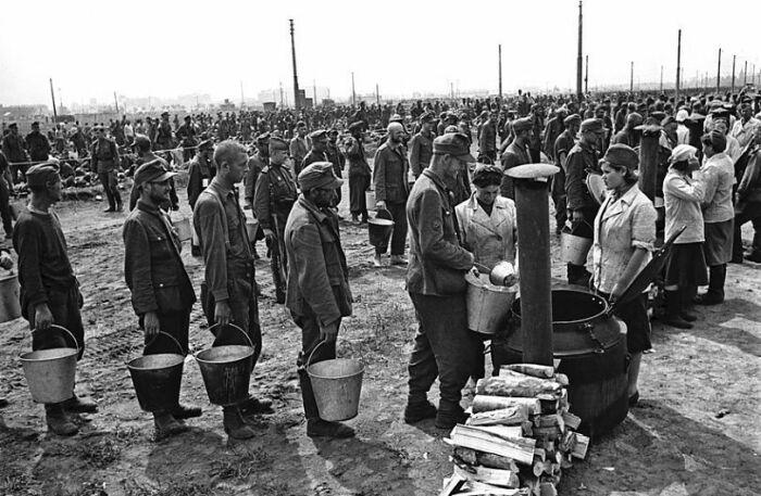 Часть репараций возместили трудом военнопленных и забранных на принудительные работы в СССР.  Фото: joker.ykt.ru.
