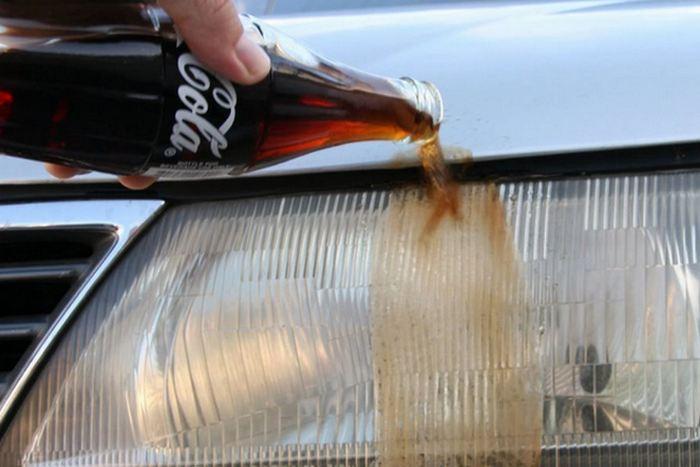Простой ответ: и снова Coca-Cola.