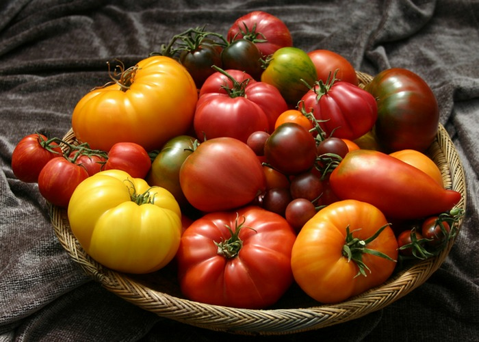 Поможет коже: помидоры.