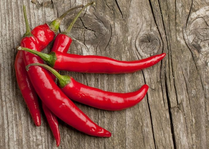 Поможет коже: красный перец.