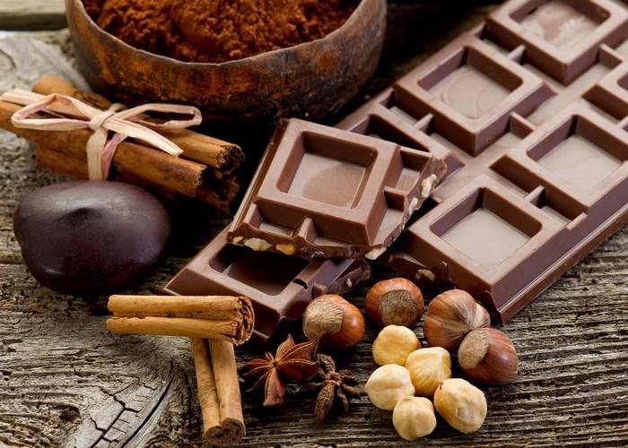 Поможет коже: шоколад.