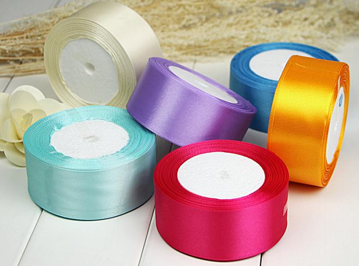 Покупаем цветные ленты.  |Фото: redmall.ru.