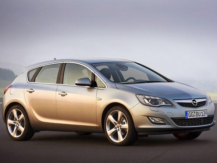 Не стоит больше брать Opel Astra J.