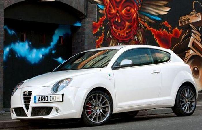 Автомобиль Alfa Romeo MiTo.