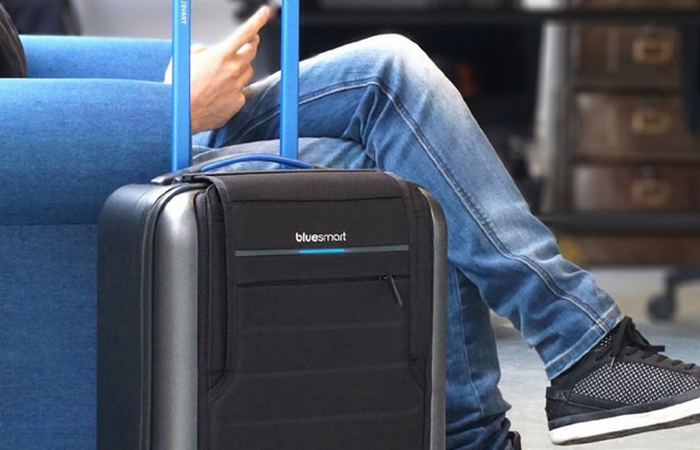 Чемодан BLUESMART CARRY-ON SUITCASE.