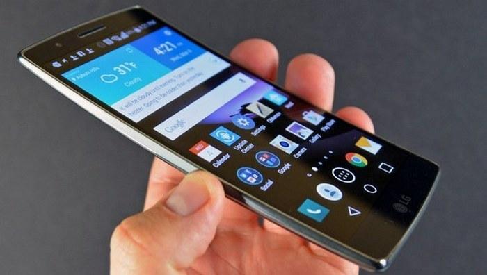 Смартфон LG G6.