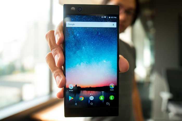Гаджет Xiaomi Black Shark очень хорош.