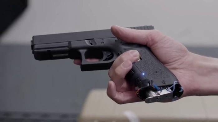 Идея оружия с системой распознания появилась давно. |Фото: youtube.com.