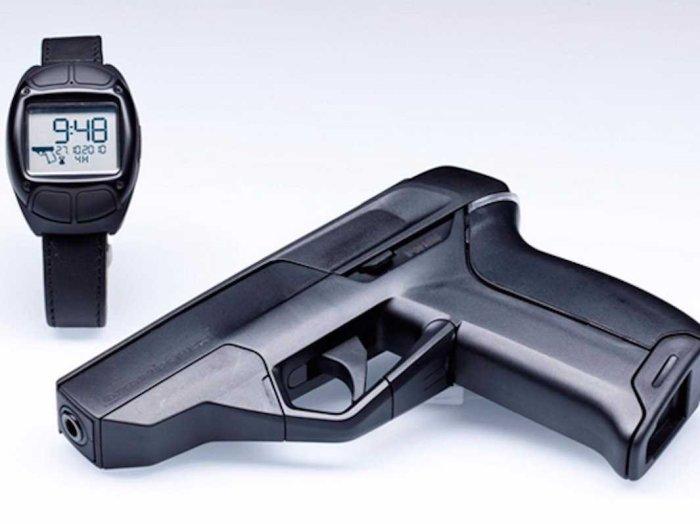 Пистолет работает со специальными часами. |Фото: ihodl.com.
