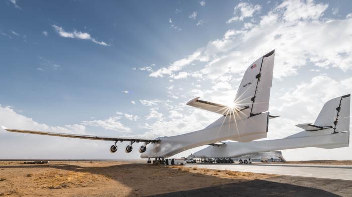 Очень большой самолет.  Фото: universemagazine.com.