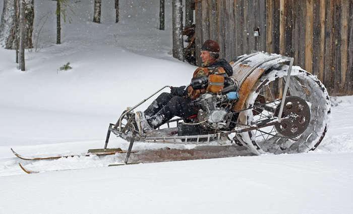 Снегоход, собранный российским пенсионером.