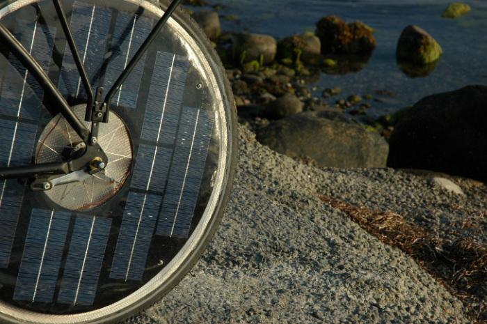 Солнечные батареи в колесе.