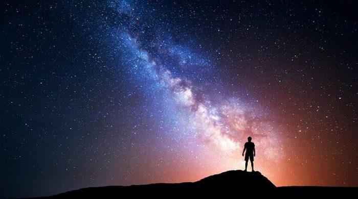 Солнечное затмение: звезды днём.