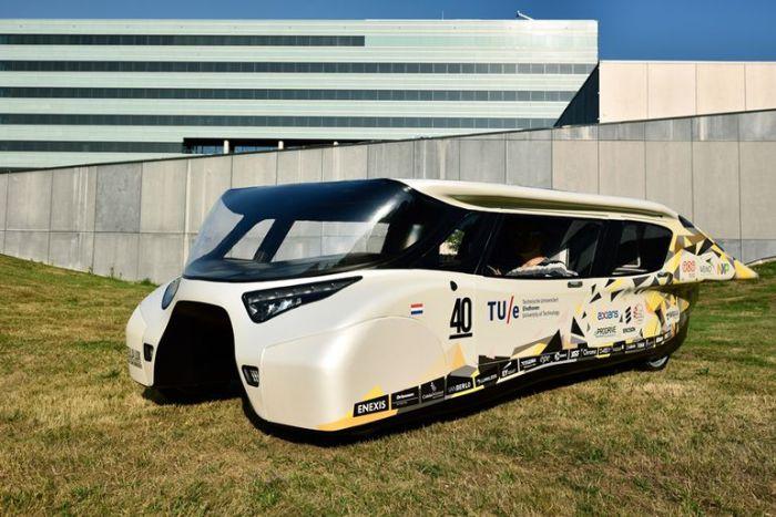 Концептуальный автомобиль будущего для всей семьи.