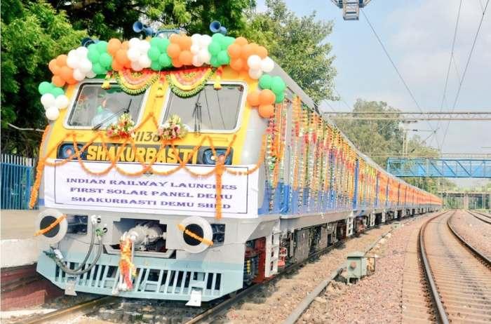 В Индии запустили солнечный поезд.