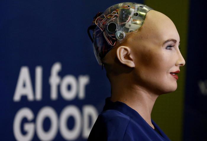 Робот София стала первой машиной-гражданином.