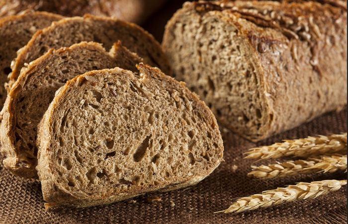 Хлеб из цельной пшеницы поможет заснуть.