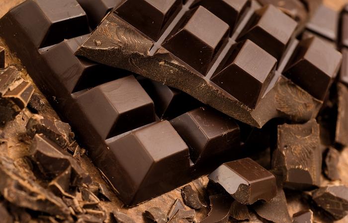Темный шоколад поможет заснуть.